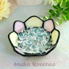 ステンドグラス浄化トレイクリスタル水晶付き クリーム×ピンク