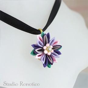 絹のお花のリボンチョーカー*。つまみ細工のネックレスm-pp