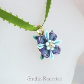 絹のお花のリボンチョーカー*。つまみ細工のネックレスpp