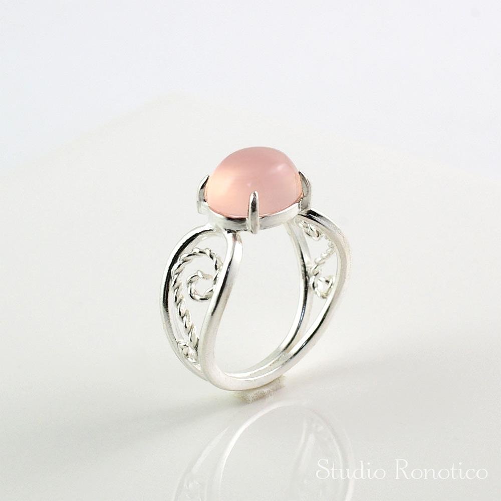 ピンクカルセドニー 繊細な透かしデザインリング